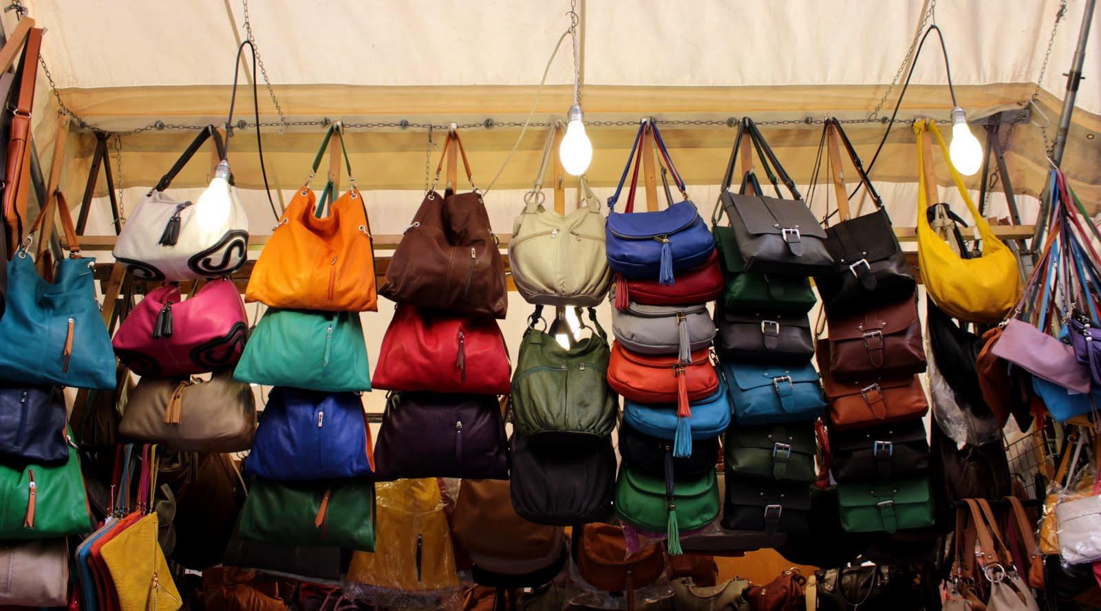Italian leather purses in Florence