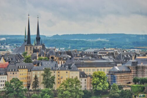 View of Luxembourg's From ancient constructions dating back to the 1500s to modern architectural marvels, the city of Luxembourg is filled with impressive buildings and is a must-visit for architecture enthusiasts and history buffs alike. Sign Up. Get More. Do More. Read the Culture Trip newsletter. Because you want to see what's out there. Email address For more information on how we use your data, see our privacy policy. Unsubscribe in one click. To see what our newsletters include, click here. European Court of Justice Building Save Place Facebook Twitter Pinterest Email Copy link Share The European Court of Justice on Kirchberg Plateau, Luxembourg The European Court of Justice on Kirchberg Plateau, Luxembourg | © nitpicker / Shutterstock The European Court of Justice is the highest court in the European Union and it is located in the Kirchberg Plateau, just east of Luxembourg City. Originally constructed in 1973, the building has undergone a number of facelifts and additions. The architect of the fourth extension, Dominique Perrault, explained his thought process behind the use of such a striking gold colour on the twin towers: 'I thought the sky over Luxembourg is often so sad that it would be nice, somehow, to catch the sun and bring it here'. More Info Luxembourg City Hall Building Save Place Facebook Twitter Pinterest Email Copy link Share Luxembourg Town Hall Luxembourg Town Hall | © Phillip Minnis / Alamy Stock Photo Luxembourg City Hall (Hôtel de Ville de Luxembourg) was built in the 1830s by French architect Justin Rémont. It was built using materials from a deconstructed 13th-century Franciscan monastery, which stood in its place centuries before. The City Hall, located on Place Guillaume II, now serves as the centre of local government and is used as the private office of the Mayor of Luxembourg City. More Info Banque et Caisse d'Epargne de l'Etat Building Save Place Facebook Twitter Pinterest Email Copy link Share Tower of the state owned savings bank