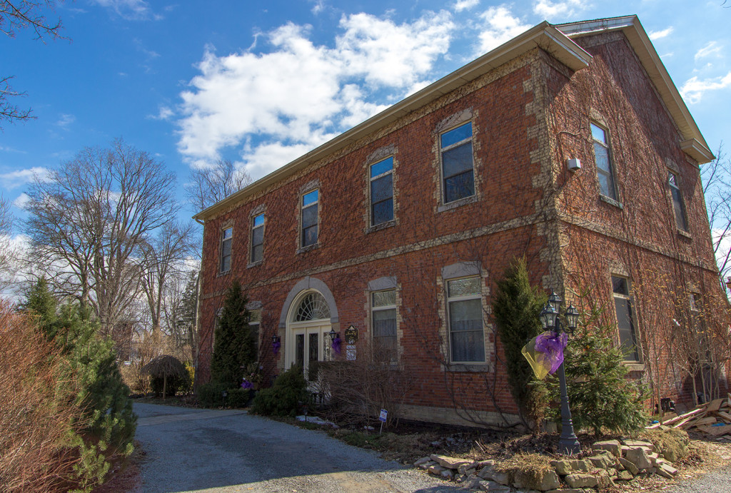 A photo of the outisde of BrannCliff Inn Bed and Breakfast