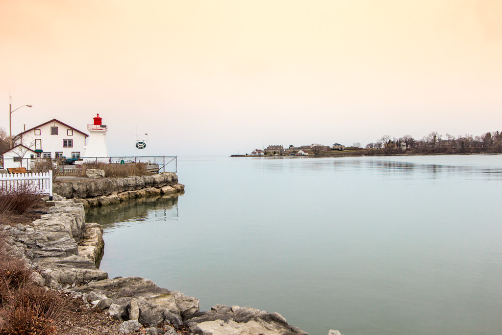 Photo of the Niagara river range lighthouse.